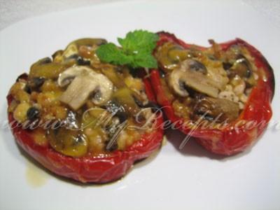 перец фаршированный грибами и мясом